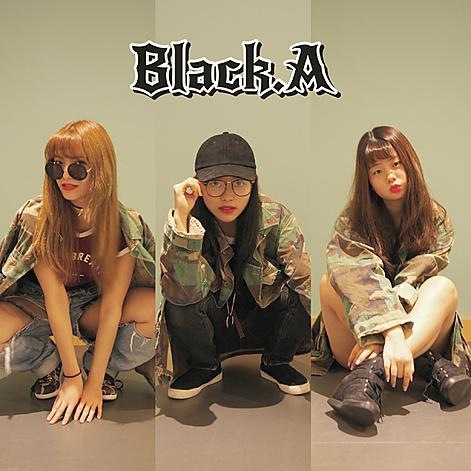 blacka01.jpg
