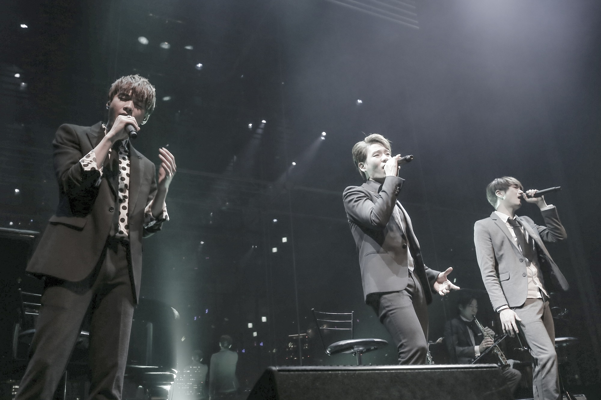 ©TRITOPS*Japan official